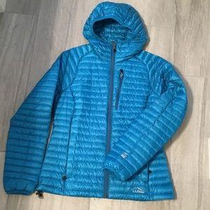 L.L. Bean 850 Ultra Lite Hooded Down Jacket